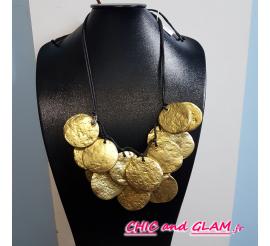 Collier 2 rgs médailles resine dorée Fanny Fouks