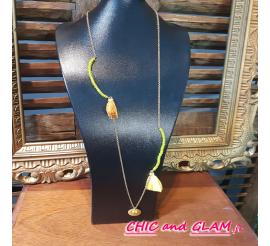 Sautoir chaines pompon medaille